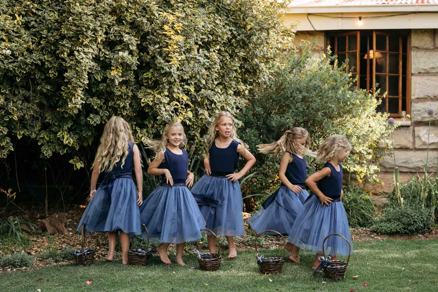 Trending Cute Navy Flower Girl Outfits For Summer Wedding