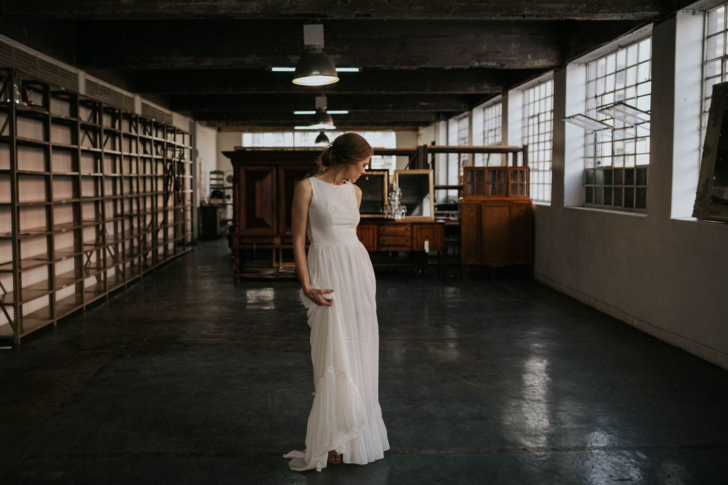 Simple Natural Elegant Bridal Portrait In Wedding Photography Session In Beautiful Vancouver City Venue