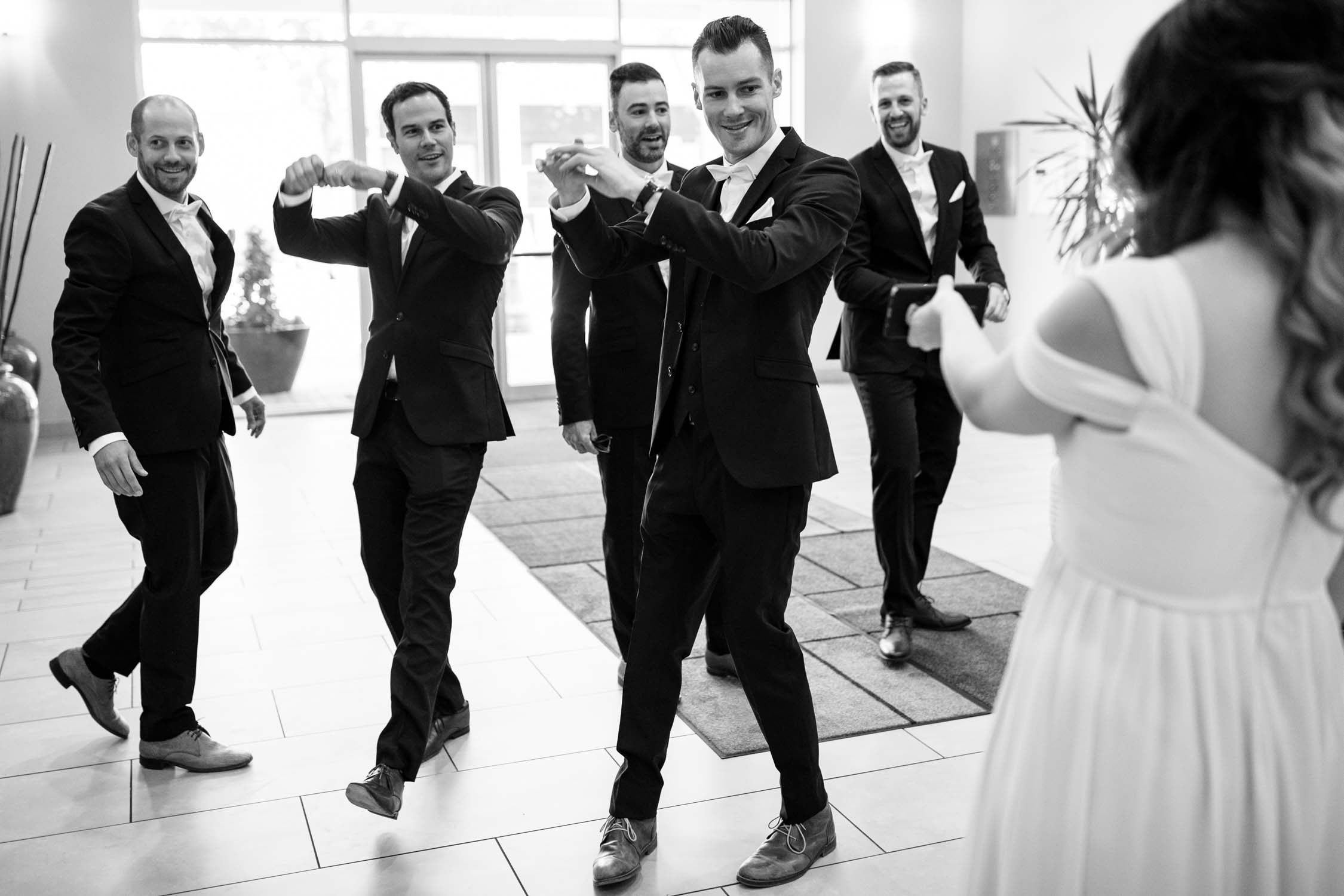 Groom plays Chinese door games played in Vancouver for bride