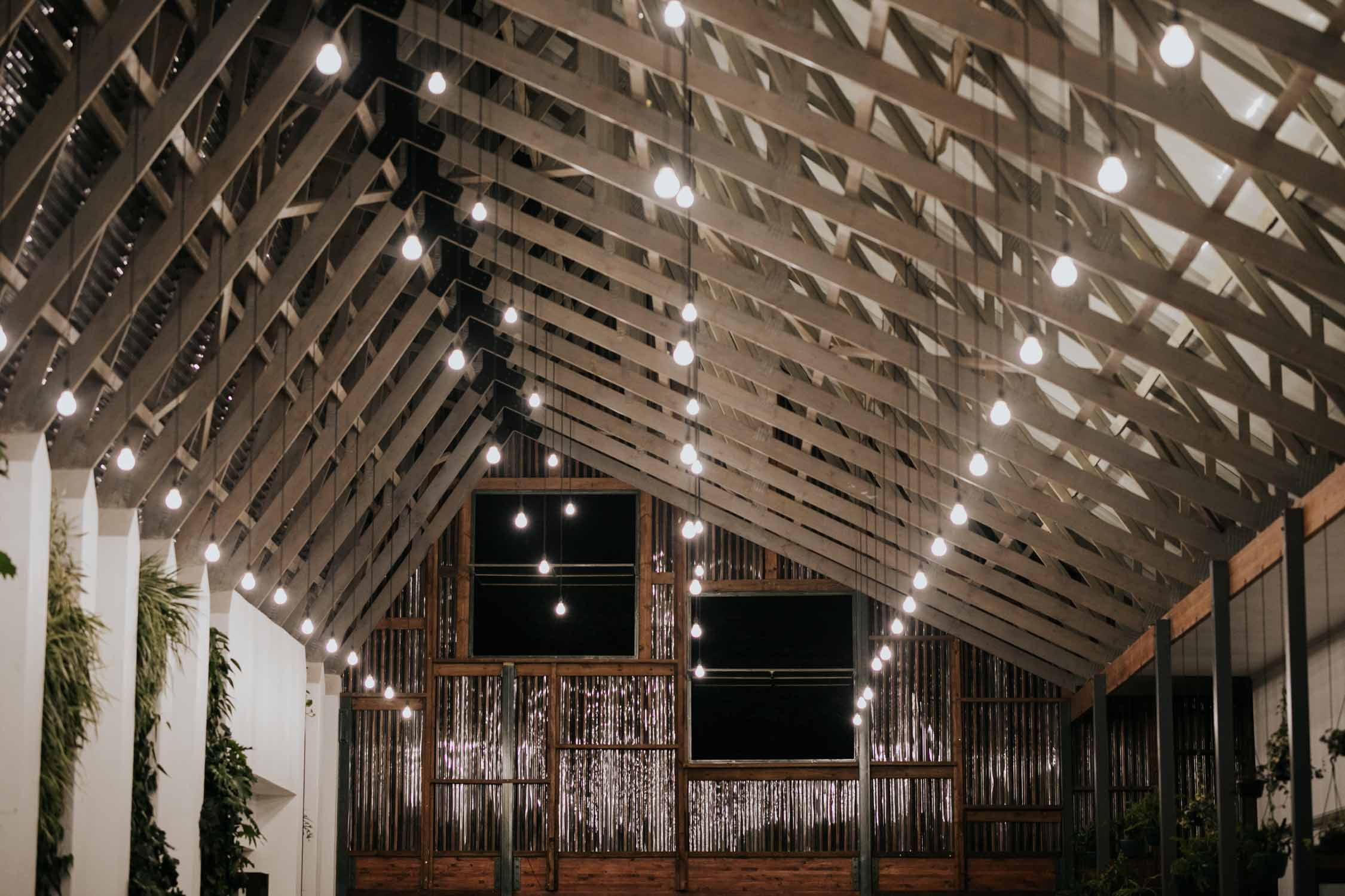 Industrial Edison lighting ideas for modern wedding