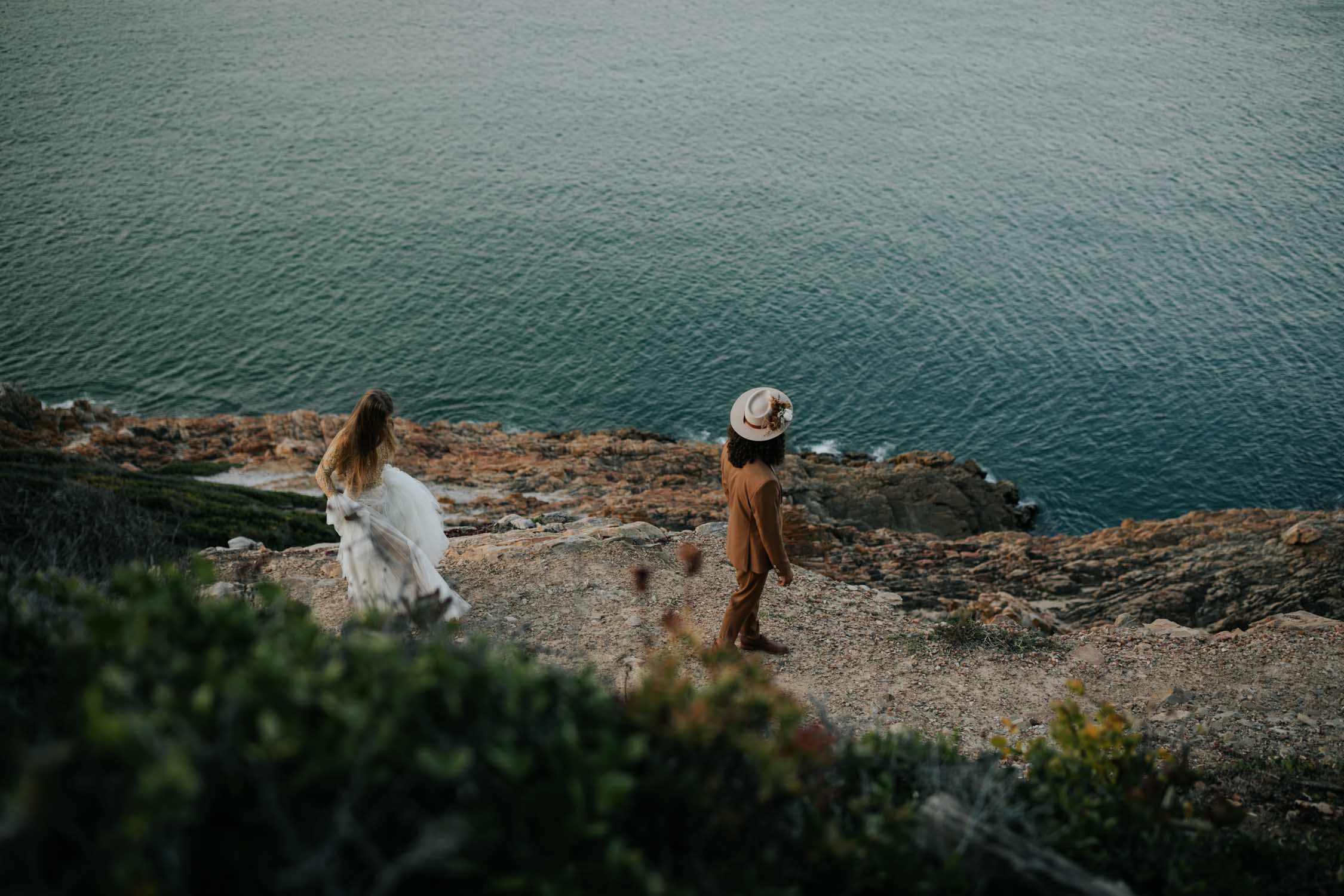 Robberg Nature Reserve Plett Boho Wedding First Look next to the ocean on a cliff