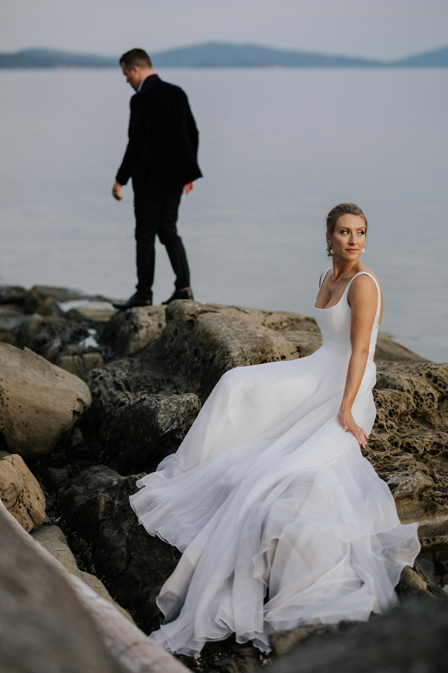 Creative Vancouver Island Wedding Photographer captures intimate beach wedding on Vancouver Island at beautiful venue and location with sea and mountain views