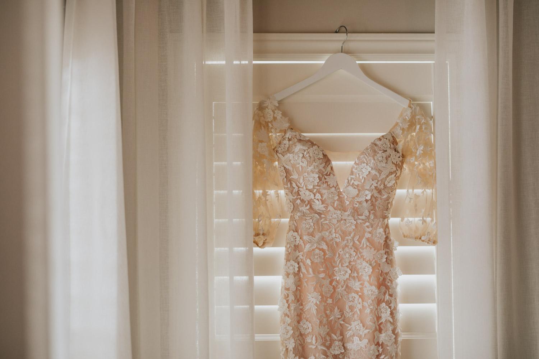 Tara Lauren Wedding Dress Puffy Sleeves